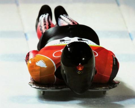 Skeleton le olimpiadi d 39 italia - Foglia canadese contorno foglia canadese ...